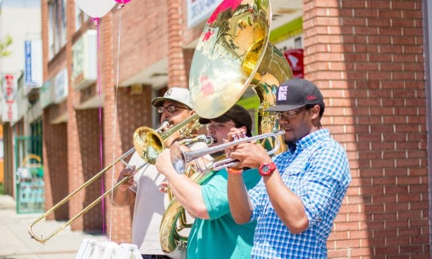 Entertainment a big part of Fenton Village restaurant crawl Sunday