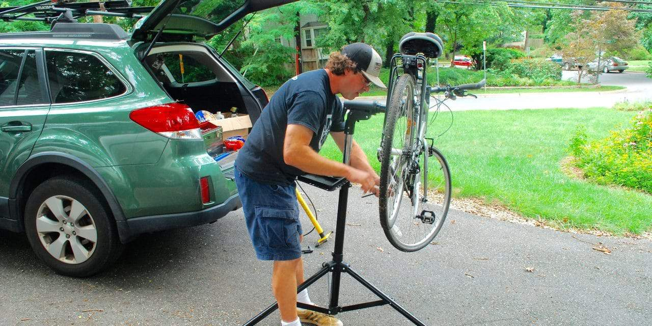 Mobile Bike Shop Saves Bicyclists an Awkward Trip